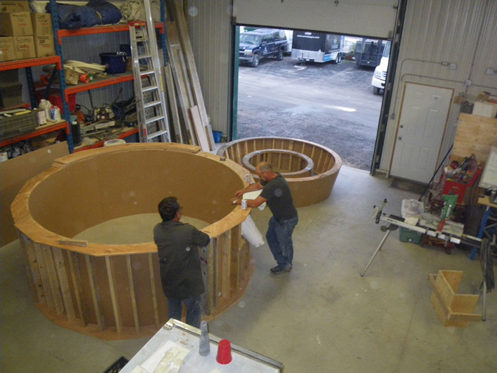 Installation piscine benoit sovanny for Spa beton debordement