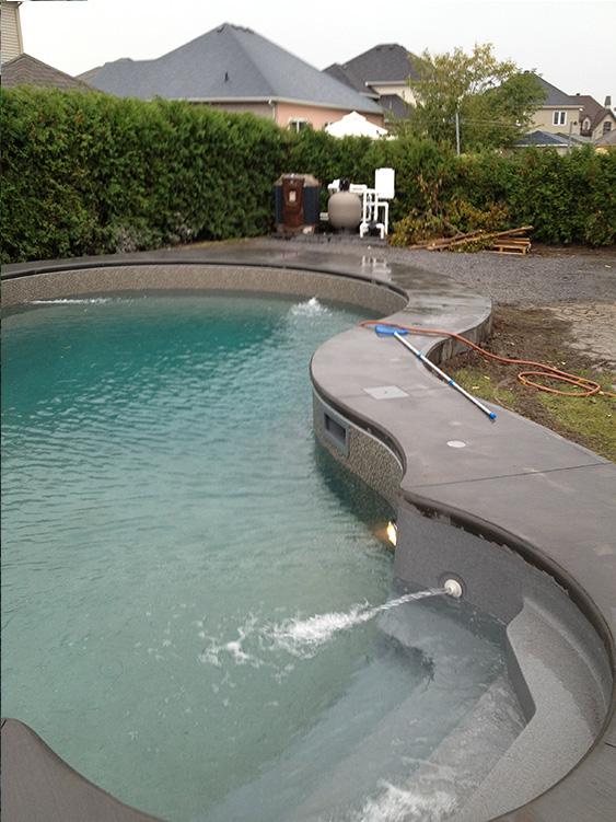 Installation piscine julie for Installation piscine